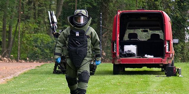 Vermoedelijk explosief gevonden in berging in Nieuw-West, EOD opgeroepen