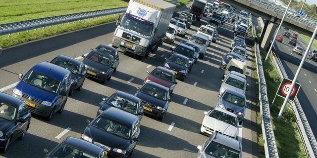 A12 bij Nieuwerbrug afgesloten na ongeval