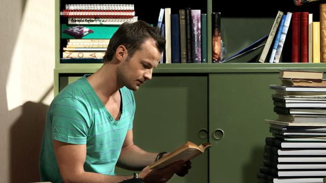 Aantal jongeren dat wekelijks boek leest flink gedaald in tien jaar