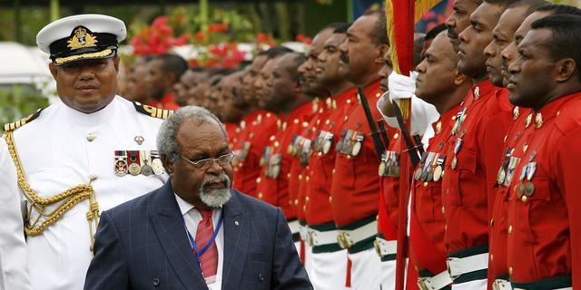 Papoea's worden wakker met twee premiers