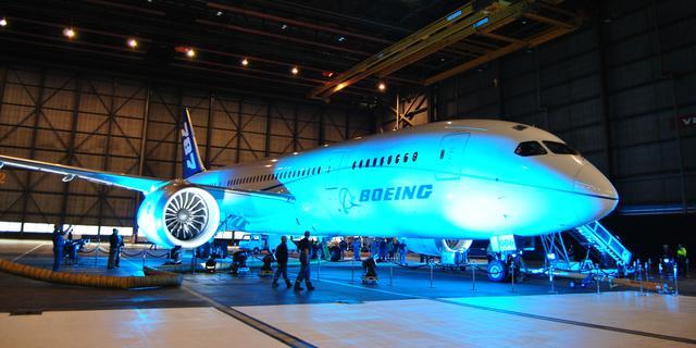 Boeing Dreamliner vervoert eerste passagiers