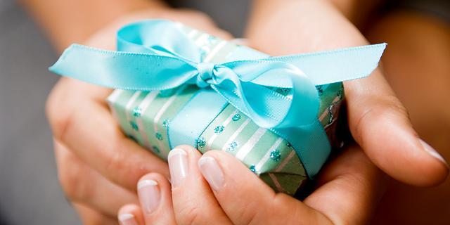 'Niet blij met je cadeau? Dan kun je het beste toneelspelen'