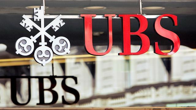 UBS ziet winst fors dalen in eerste kwartaal