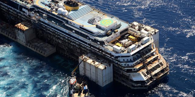 Costa Concordia aangekomen in Genua
