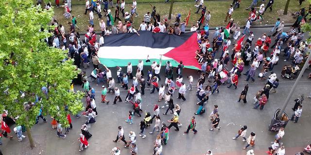 Demonstratie tegen geweld Israël op Stadhuisplein in Eindhoven