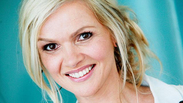 Tooske Ragas helpt bij huwelijksaanzoeken