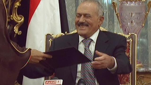 President Jemen tekent machtsafstand