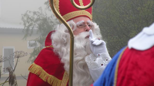 Sinterklaas te water in Paterswolde