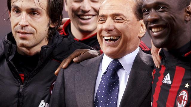 Berlusconi kondigt terugkeer als Milan-voorzitter aan