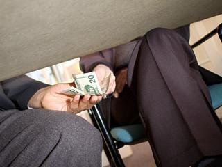 Ngo voor corruptiebestrijding trekt aan de bel