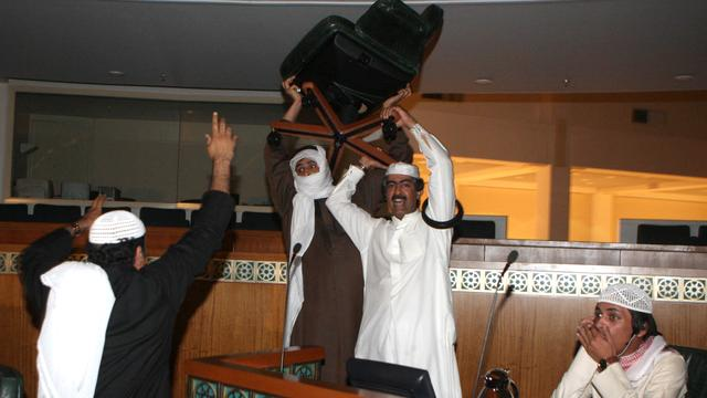 Emir Koeweit aanvaardt ontslag regering