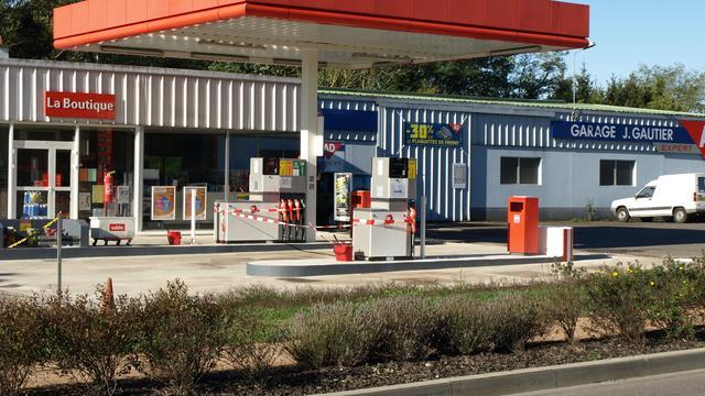 Alerte omstanders rijden benzinedieven klem
