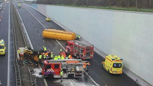 A7 dicht door ernstig ongeluk met truck