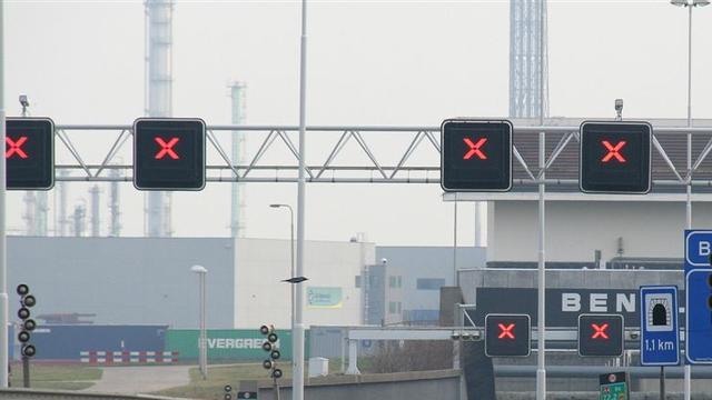 Deel Beneluxtunnel afgesloten na ongeluk
