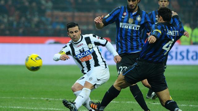 Udinese boekt zege op Internazionale na tumultueus slot