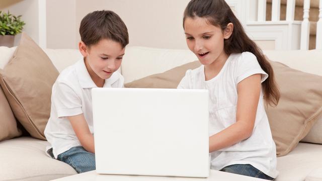 'Veel kinderen pleiten voor internetpolitie'
