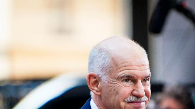 Griekse premier geeft tekst en uitleg op tv