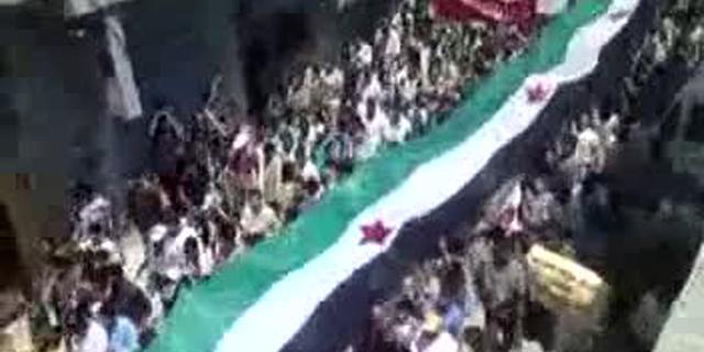'Militairen onderling slaags in Homs'