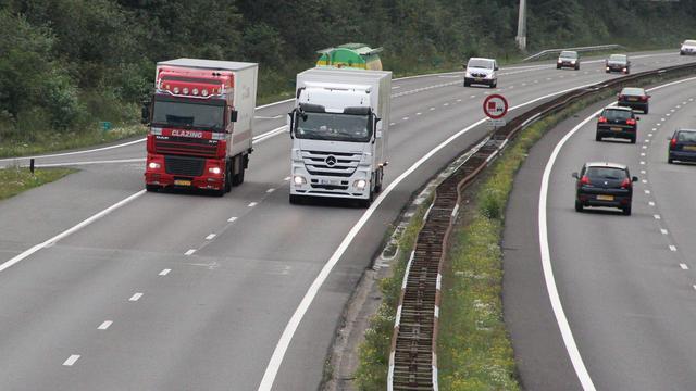 Bijna dertig bekeuringen tijdens controle vrachtwagens
