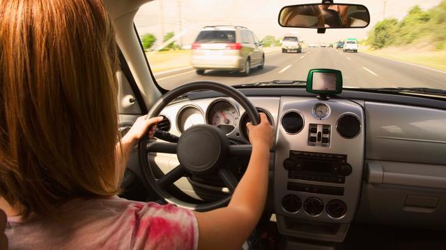 Deze gadgets houden je koel in een auto zonder airco