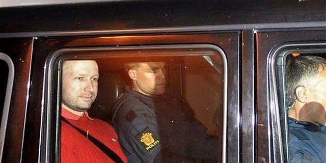 Eenzame opsluiting Breivik opgeheven
