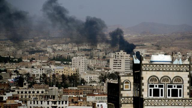 Explosies bij luchthaven Jemen