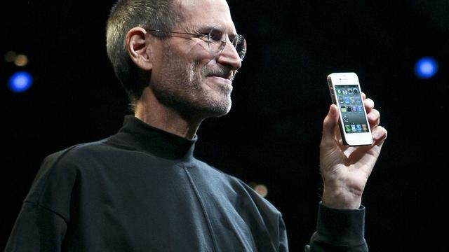 Steve Jobs met een iPhone 4