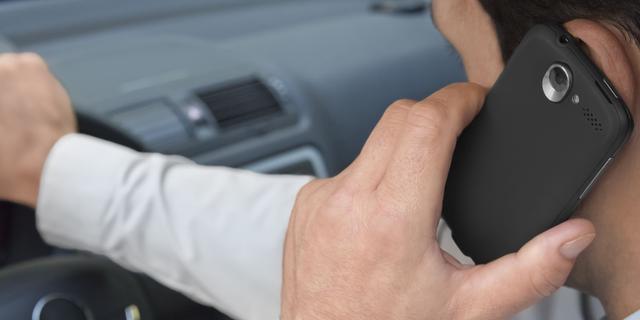 Chauffeur in Eindhoven voor derde keer betrapt met telefoon achter stuur
