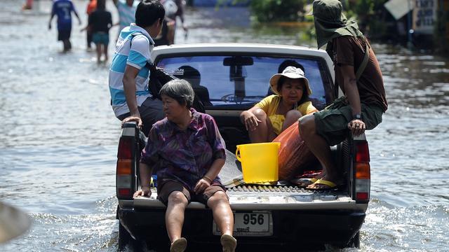 Water rukt steeds verder op in Bangkok