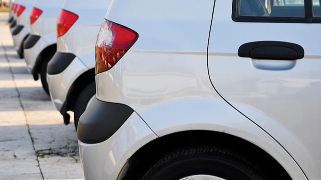 Autoverkoop krabbelt op na dip begin dit jaar