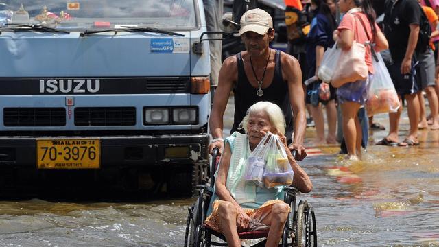 Hoogwater nadert centrum Bangkok