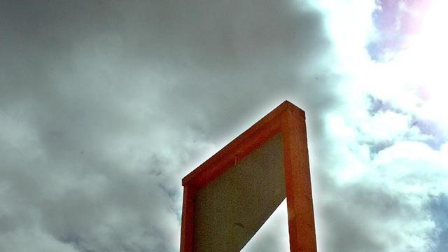 Amerikaan hakt arm af met guillotine