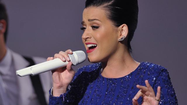 Katy Perry vindt relaties met collega's makkelijker