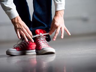 Loopbeweging 'trekt' knoop langzaam losser