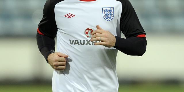 Rooney mogelijk drie EK-duels geschorst