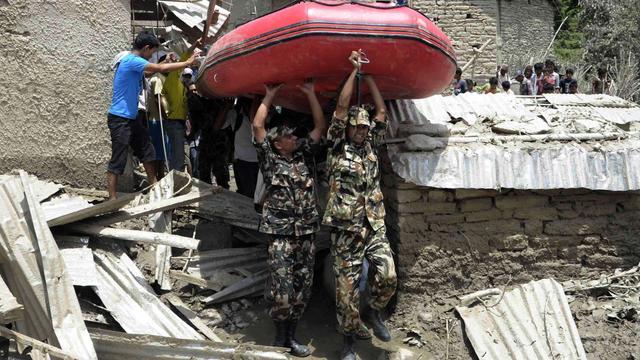 Evacuaties India om aardverschuiving Nepal