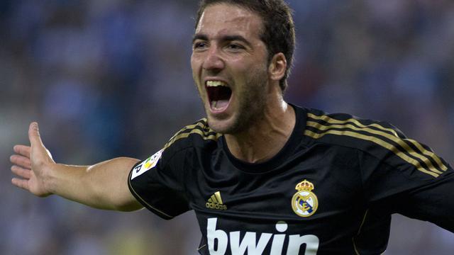 Real Madrid en Barcelona boeken zege