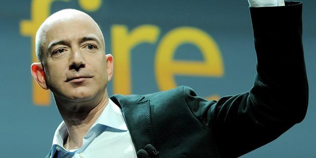 Vermogen Amazon-baas stijgt tot boven 100 miljard dollar