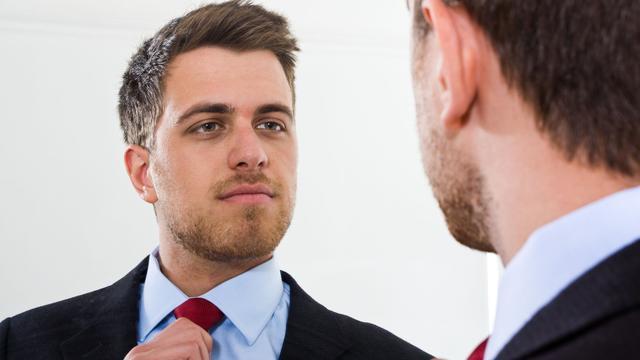'Narcist niet altijd tevreden met zichzelf'