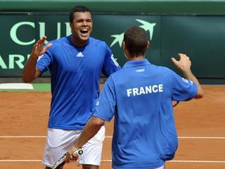 Spanje is er nog niet in geslaagd de Davis Cup-finale te bereiken. Lopez en Verdasco verliezen in het dubbelspel.