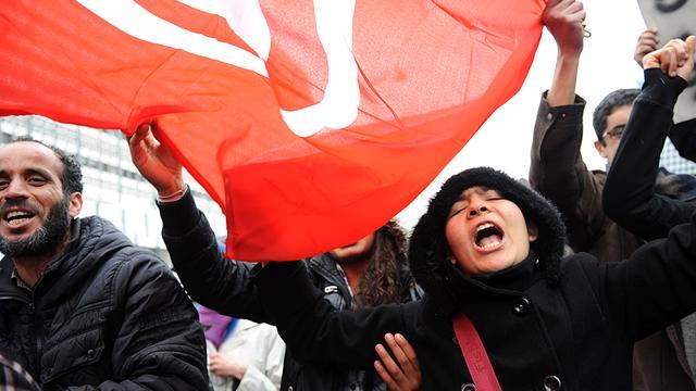 Lange rijen bij verkiezingen Tunesië