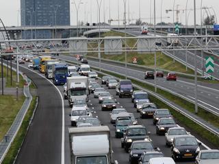 Automobilisten kunnen niet afslaan naar A4 richting Den Haag