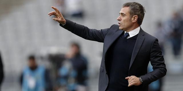 Trainer Kuijt stapt op bij Fenerbahçe