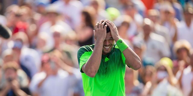 Tsonga in twee sets te sterk voor Federer in finale Toronto