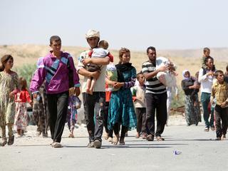 40.000 leden van minderheid wachten op hulp, IS slaat opstand neer