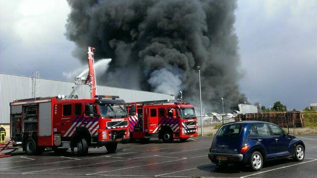 Zeer grote brand in bedrijfspand Breda meester