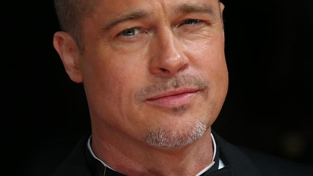 Rechter stuurt 'afleidende' Brad Pitt naar huis