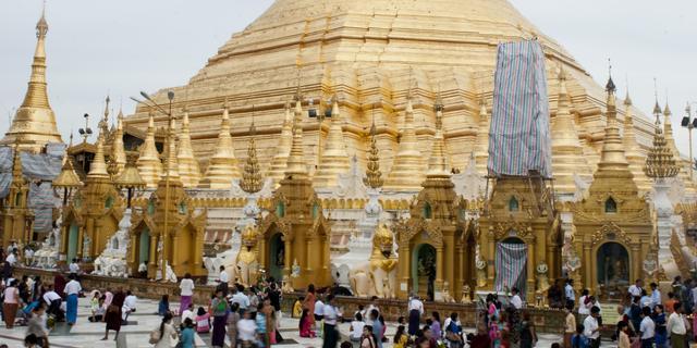 Duikers Myanmar zoeken naar eeuwenoude klok