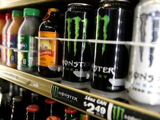 Voedingscentrum raadt af om cafeïne te combineren met alcohol