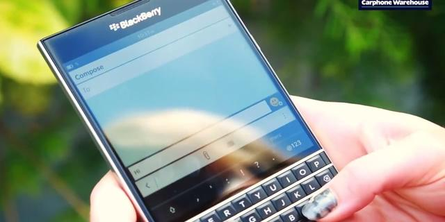 Blackberry presenteert Passport met vierkant scherm